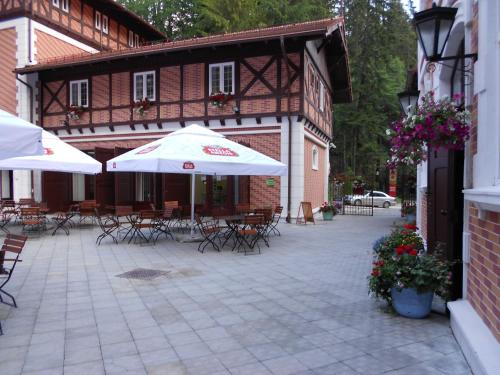A restaurant or other place to eat at Hotel Bastion