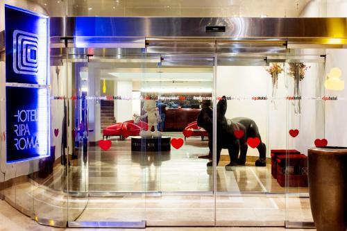 The lobby or reception area at Hotel Ripa Roma