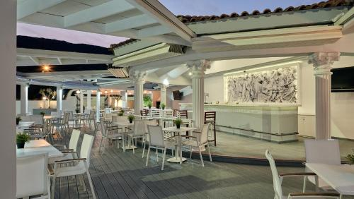 A restaurant or other place to eat at Meandros Boutique & Spa Hotel