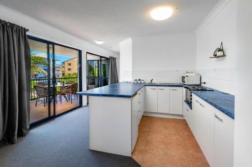 A kitchen or kitchenette at Belaire Place