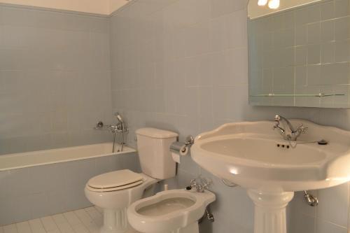 Uma casa de banho em Casa da Ponte
