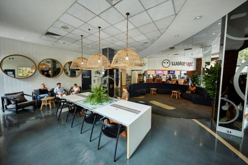 A restaurant or other place to eat at Wake Up! Sydney Central