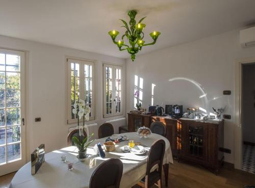 A restaurant or other place to eat at Villa Contarini B&B