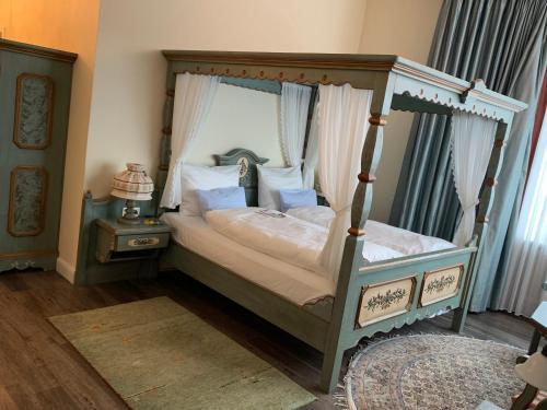 Ein Bett oder Betten in einem Zimmer der Unterkunft Best Western Plus Theodor Storm Hotel