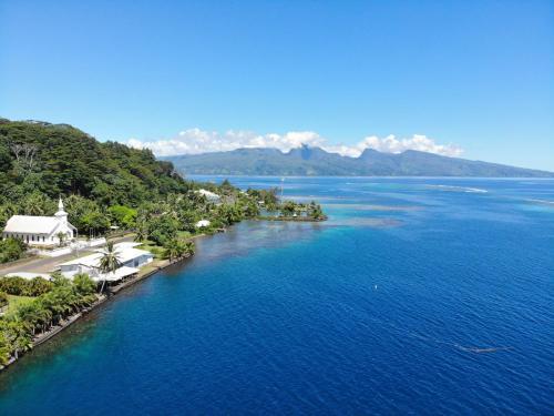 Uma vista aérea de A Pueu Village