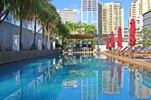The swimming pool at or near Park Plaza Bangkok Soi 18