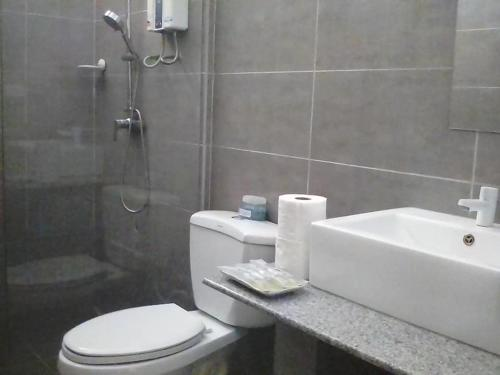 Ванная комната в panglao moravian apartments