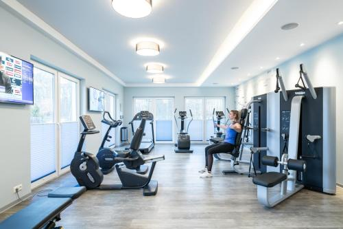 The fitness center and/or fitness facilities at StrandResort Markgrafenheide