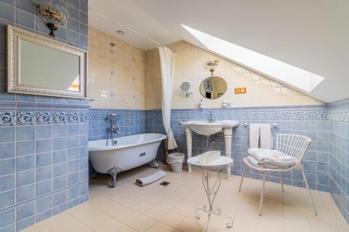 Vannas istaba naktsmītnē Mazmežotnes muiža