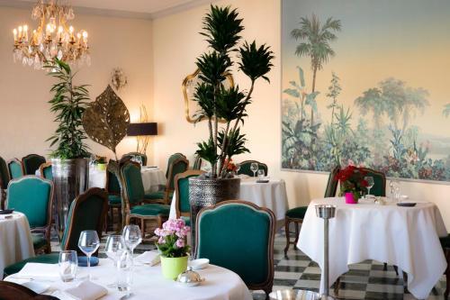 Restaurant ou autre lieu de restauration dans l'établissement Château d'Isenbourg & SPA