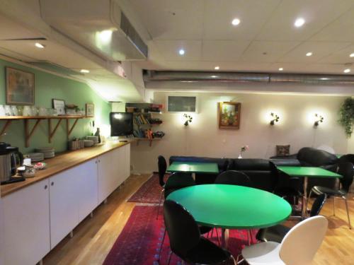 Reštaurácia alebo iné gastronomické zariadenie v ubytovaní Hostel Bed & Breakfast