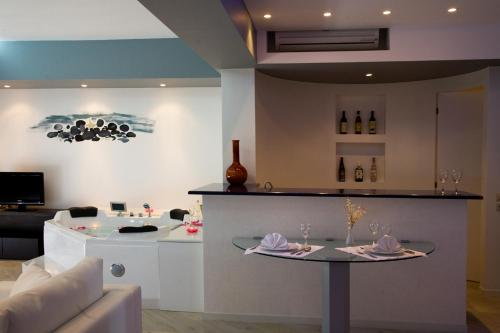 The lobby or reception area at Mediterranean Beach Resort