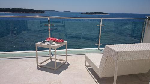 Apartments Toni Sea view