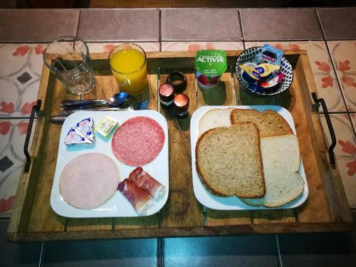 Ontbijt beschikbaar voor gasten van B&B Halen