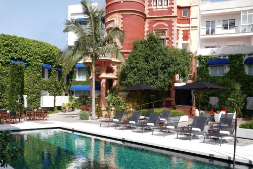The swimming pool at or near Hotel Medium Sitges Park