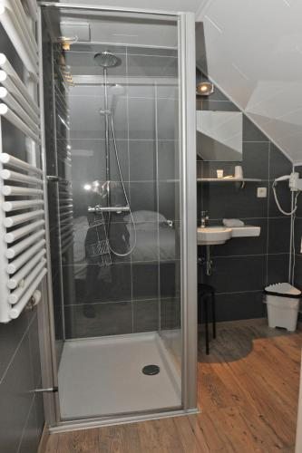 A bathroom at Hotel Palace