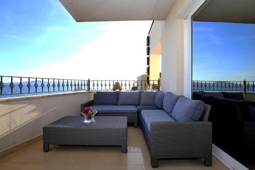 A balcony or terrace at Hotel Niko