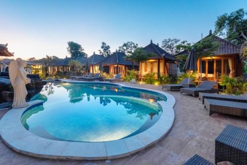 The swimming pool at or near Mamamia Island Villa