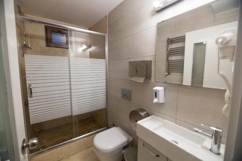 Ein Badezimmer in der Unterkunft Stay Inn Taksim Hostel