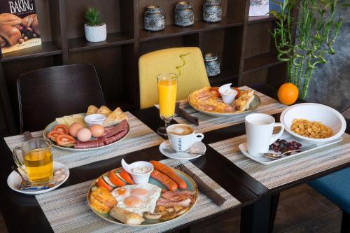 Завтрак для гостей Le Marc Guest house