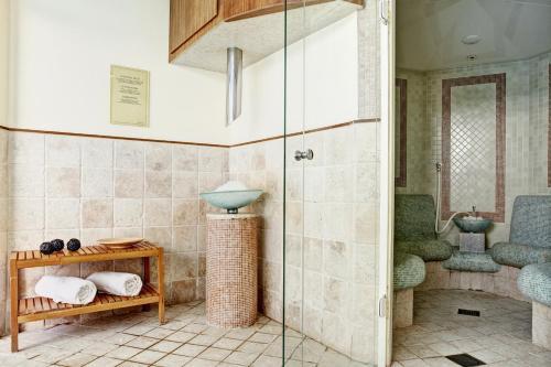 Ett badrum på Grupotel Nilo & Spa