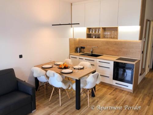 Kuhinja oz. manjša kuhinja v nastanitvi Vila Mojca - Peridot Apartment