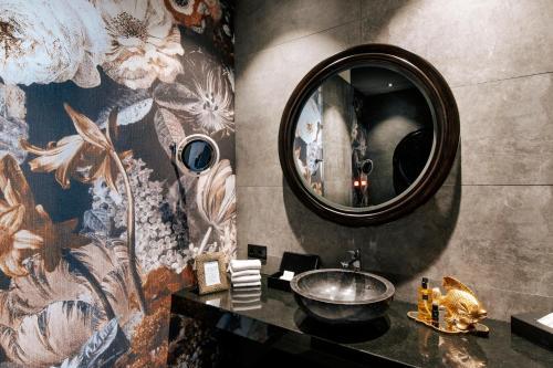 A bathroom at Aiola Living Graz