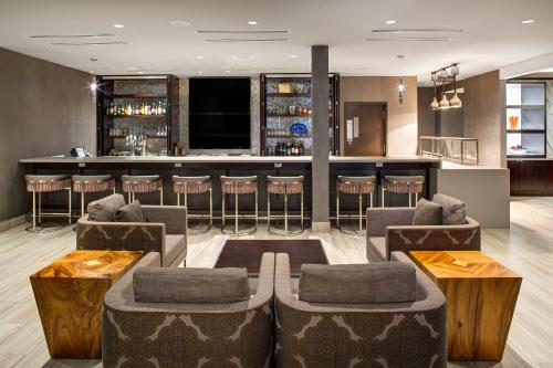 A restaurant or other place to eat at DoubleTree By Hilton Halifax Dartmouth