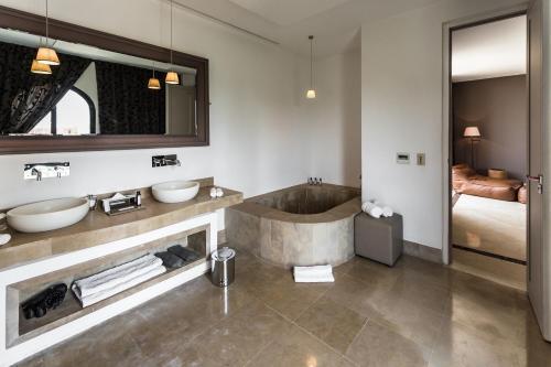 Salle de bains dans l'établissement Palais Namaskar