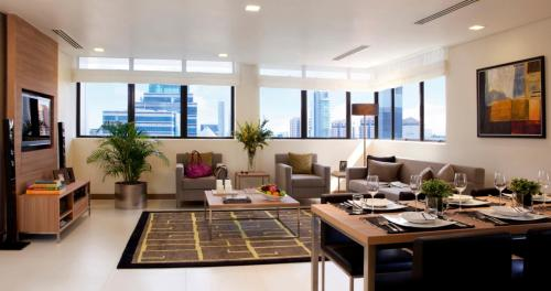 A restaurant or other place to eat at 8 on Claymore Serviced Residences - By Royal Plaza on Scotts (SG Clean)