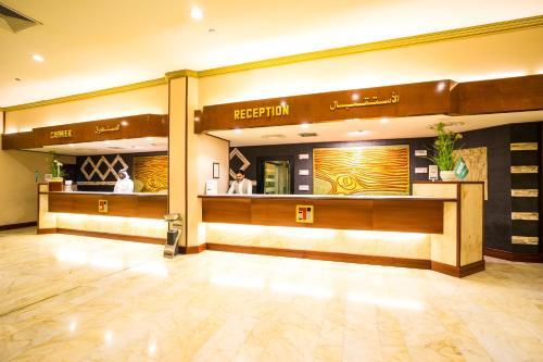 O saguão ou recepção de Jeddah Trident Hotel