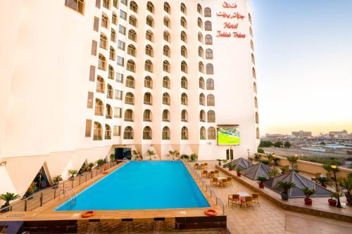 A piscina localizada em Jeddah Trident Hotel ou nos arredores