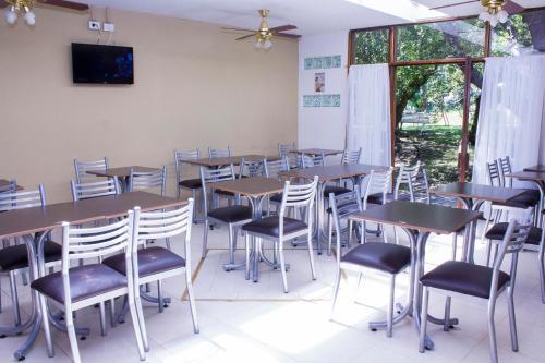 Un restaurant u otro lugar para comer en San Remo Viking Hotel