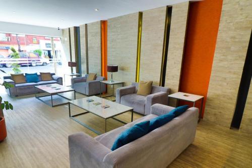A seating area at Mallorca Hotel