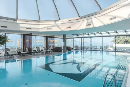 The swimming pool at or near Le Mirador Resort & Spa