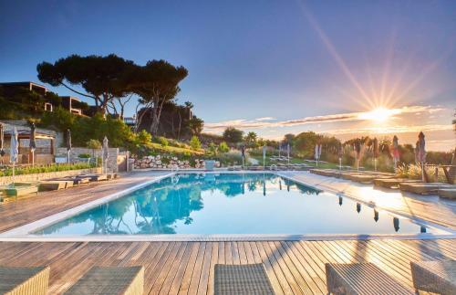 Het zwembad bij of vlak bij Martinhal Sagres Beach Family Resort Hotel