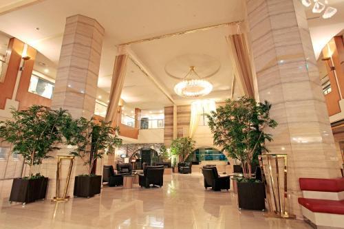 The lobby or reception area at Hotel New Nagasaki