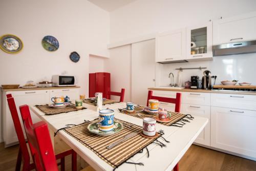 A kitchen or kitchenette at Stella del Mattino