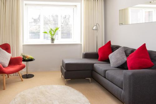 A seating area at HomefromHolme Christchurch Close