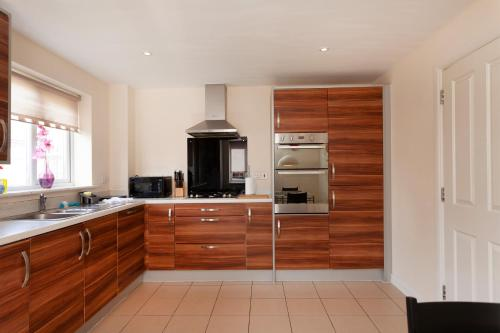 A kitchen or kitchenette at Hamber
