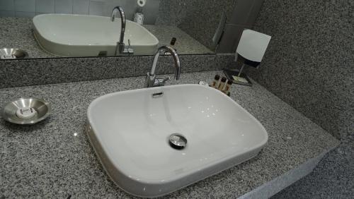 A bathroom at Résidence Saint Michel