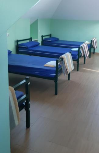 Mesa de billar en Albergue la escuela