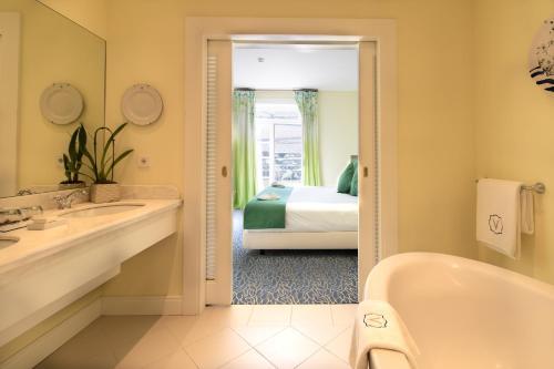 Um banheiro em The Vintage House - Douro