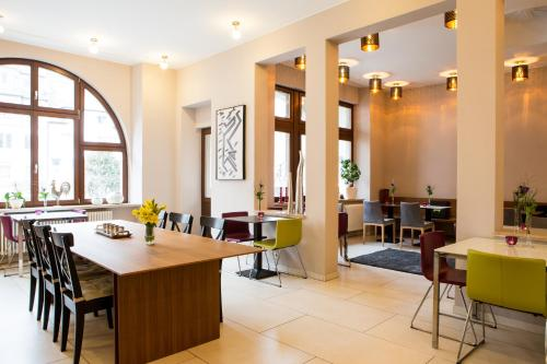A restaurant or other place to eat at Hotel Villa Vinum Cochem