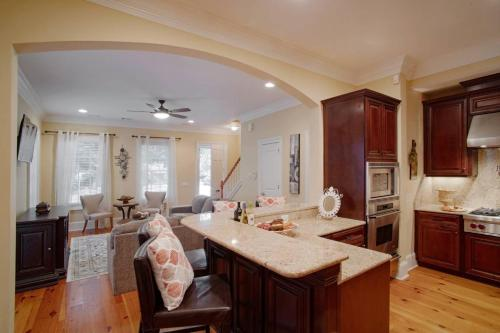 Luxury 3Bed Townhome in Historic Downtown Savannah