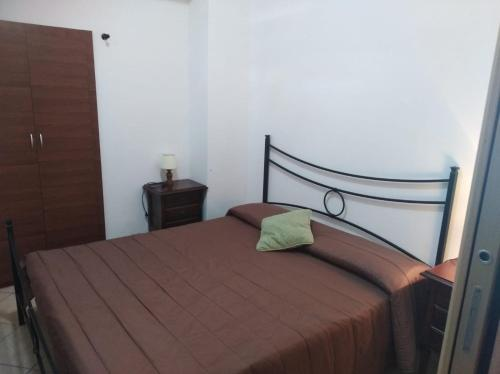 A bed or beds in a room at casa al mare Ippolito