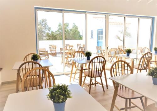 A restaurant or other place to eat at Pure Fonte Velha B&B