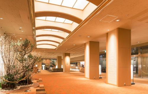 The lobby or reception area at Keio Plaza Hotel Sapporo
