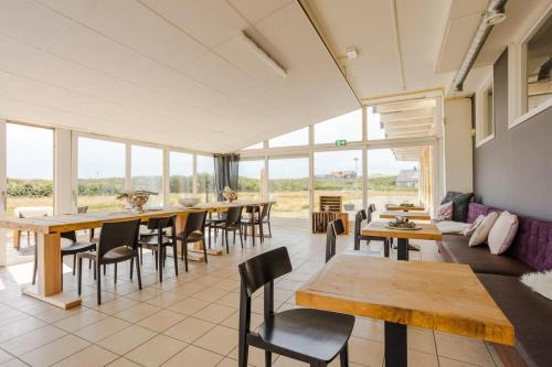 Een restaurant of ander eetgelegenheid bij Hotel Corfwater