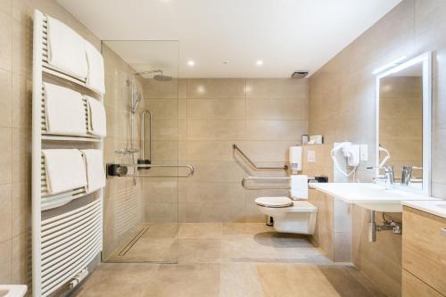 Salle de bains dans l'établissement Hotel Donny